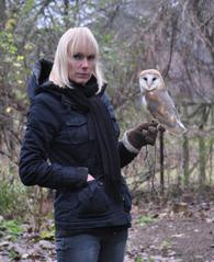 Fionna Bottema with her owl
